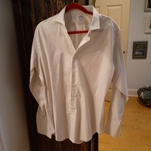 Brooks  Brothers  Egyptian cotton Woven in  Italy